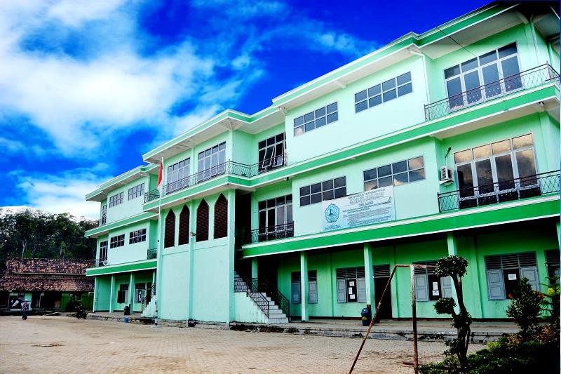 Gedung Madrasah Tsanawiyah