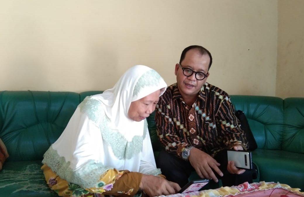 Kunjungi Keluarga Tafsirin, Sesditjen PHU : Kami Akan Terus Mencari Tafsirin